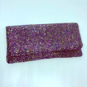 Moyna clutch in iridescent